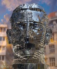 Cabeza-de-Kafka-en-patio-Quedrio-Praga (Carlos Perulán) Tags: escultura praga