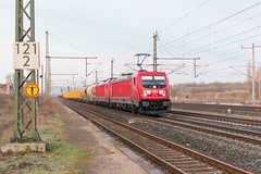 187 153 und 187 152 (kalt) mit einem Mischer in Neudietendorf (_VT2E_) Tags: db cargo und bombardier traxx bahnhof zug eisenbahn train güter neudietendorf
