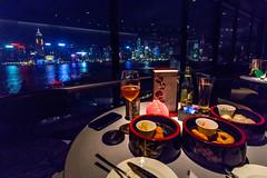 Table avec vue au restaurant du Sheraton (Seb & Jen) Tags: hongkong asia asie restaurant sheraton night nuit view vue