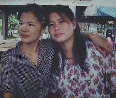 Best Friends (Doisaken) Tags: leica photography photos photographer traditional married marriage party asia great people colors friends village woman thai thailand