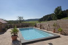 Höhlein Schwimmbad & Wellness gehört zur TOP 10 des bsw-Awards 2018 in der Kategorie Private Badelandschaft im Freien - Standard. (Bundesverband Schwimmbad & Wellness) Tags: bswaward bundesverband schwimmbad wellness top 10 schwimmbäder pool pools