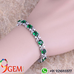 Emerald Bracelet are symbolic of love and generosity (9gemcanada) Tags: colombianemerald beautiful emeraldcost emeraldonline panna luxury diamond attractive perfect