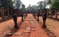 Banteay Srei, Angkor. (trev.eales) Tags: banteaysrei angkor angkortemples siemreap cambodia southeastasia religioussite buddhist buddhisttemple historicalsite archeologicalsite archeology temple kmer kmertemple trees nikon treveales