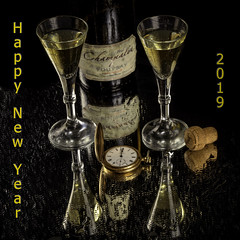Happy New Year (dietmar-schwanitz) Tags: silvester neujahr happynewyear feier party sekt sparkelingwine reflections spiegelung tropfen drops uhr watch taschenuhr pocketwatch gläser glases glas flasche bottle nikond750 nikonafsnikkor24120mmf40ged colorefex nikcollection photoshopelements sirui lightroom dietmarschwanitz