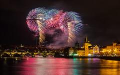 Novoroční ohňostroj 2019, Praha (Honzinus) Tags: novoroční ohňostroj 2019 praha prague prg cz czech fireworks city vltava