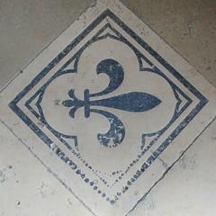 Le symbole des Rois de France (BatK) Tags: batk chateau castle amboise chapelle sainthubert fleur lys françois1er