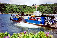 The old paddle ferry at Dartmouth, 5th July 1994 (Linda 2409) Tags: carferry ferry paddlesteamer boat river riverdart southdevon