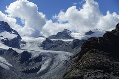 D20004.  From the Gornergratbahn. (Ron Fisher) Tags: schweiz suisse svizzera switzerland kantonwallis valais cantonvallese europa europe zermatt mountain snow glacier gletcher diealpen thealps swissalps alpessuisses schweizeralpen alpisvizzere sony sonyrx100iii sonyrx100m3 compactcamera