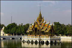 _SG_2018_11_0769_IMG_5379 (_SG_) Tags: bangkok suvarnabhumi holiday citytrip four cities asia asia2018 2018 capital thailand city central klong boat service water bang pain royal palace summer aisawan dhiphyaasana pavilion thai kings
