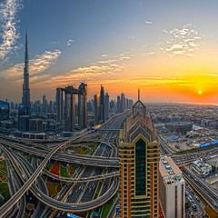 Downtown Dubai sunset (world.wideweg) Tags: dubai uae unitedarabemirates downtown downtowndubai burjkhalifa intersection sunset sheikzayedroad traffic city cityscape