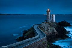 Dusk on lighthouse (Patrick ARFI) Tags: plouzané finistère petitminou lighthouse landscape brest littoral dusk light lights france seascape bretagne coast brittany phare paysage