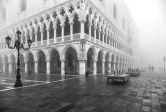 Doges Palace (photofitzp) Tags: bw blackandwhite dogespalace fog italy mist venice