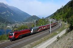 1116 231 + 80-90 749 ( 1116 249 ), RJ 898 ( Linz > Klagenfurt ). Kolbnitz (M. Kolenig) Tags: 1116 railjet fahne berg baum wald