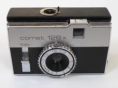 Bencini Comet 126 x (pho-Tony) Tags: 126 photosofcameras bencinicomet126x bencini comet x plastic italy italian instamatic 28mmx28mm square cartridge