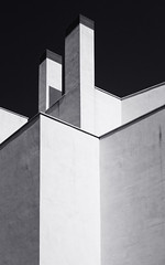 Lines and contrast (Flaquivurus) Tags: architecture bl blackandwhite building urban city cadiz abstract