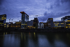 Düsseldorf0144Zollhafen (schulzharri) Tags: düsseldorf nrw deutschland germany europa europe architektur architecture glas modern haus building himmel gebäude wasser fluss stadt