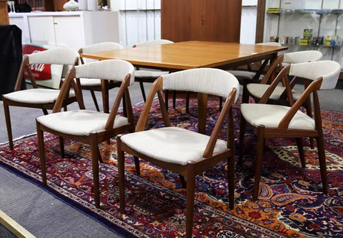 """Drexel """"Scan Style"""" Dining Table with chairs ($1,960)"""