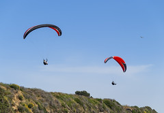 2014-06-06_14-37-15 Paragliding (canavart) Tags: canada britishcolumbia bc victoria paraglider paragliding paragliders dallasroad dallasrd bluffs bluesky spiralbeach