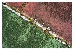Jeu, set et match : En diagonale (Pascal.M (bong.13)) Tags: urbex tennis graphique graphisme sonyrx100 lignes abstrait abandonné