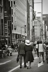 Couple (reiko_robinami) Tags: street streetphotography outdoors monochrome city urban cityscape architecture blackandwhite tokyo japan