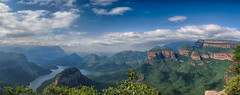 Panorama sur Blyde Canyon et the Three Radavels (Nat_L2_photographies) Tags: afriquedusud southafrica blyde blydecanyon blyderiver threerondavels panorama