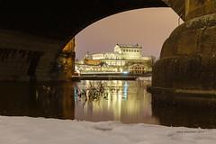 frame :-) (Dresdner Hobbyknipser) Tags: dresden semperoper augustusbruecke augustusbrücke saxony elbflorenz