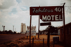 (Talisman39) Tags: agfacolor50s fabulous40motel grain route66 tx texas themotherroad travel vacancy vega vintage signage