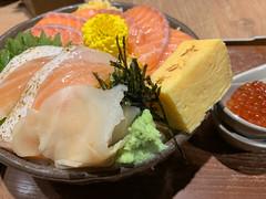 salmon bowl(鮭の親子丼) (Hideki Iba) Tags: food iphone osaka japan bowl seafood salmon