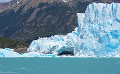 Glacial arch / Ледовая арка (Vladimir Zhdanov) Tags: travel argentina patagonia elcalafate peritomoreno lagoargentino andes water ice lake glacier forest tree mountains