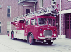 700EJF (Emergency_Vehicles) Tags: 700ejf leicestershire fire rescue service turntable ladder