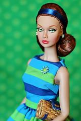 Poppy Parker Girl Talk (Pigletta) Tags: poppyparker girltalk integritytoys fashiondolls pigletta jasonwu poppy
