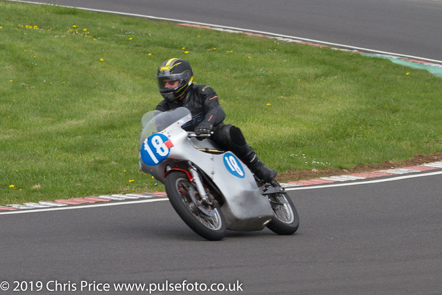 CRMC Castle Combe 2019 - Race 20 Classic 350 Twins, European and Riders over 55