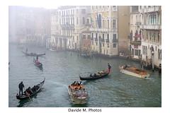 Chaotic Venice (Davide M. Photos) Tags: venice venezia davidemphotos veneto laguna gondola gondolier fujixe2 fujinon1855mm