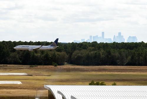 IAH & Houston Skyline 1901061421