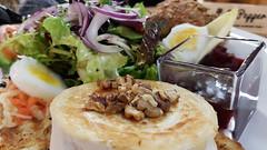 ziegenkäse salat (photos4dreams) Tags: photos4dreams p4d photos4dreamz food essen nahrung schafskäsesalat ziegenkäse schafskäse salat salad cheese canoneos5dmark3 canoneos5dmarkiii andreas dietzenbach