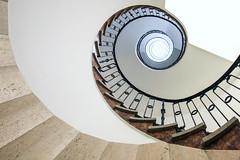 Curl (Elbmaedchen) Tags: curl staircase steps stufen stairwell treppenhaus treppenauge schnecke helix interior upanddownstairs