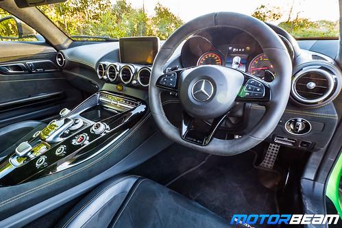 Mercedes-AMG-GT-R-2