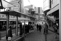 bus stop, Osaka station (jtabn99) Tags: osaka bus stop entrance japan nippon nihon umeda station 20190119