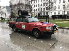 Start Carbage Run winter 2019 - Kopenhagen (FaceMePLS) Tags: kopenhagen copenhagen denemarken denmark scandinavië facemepls iphone8 rally car voiture pkw wagen voertuig yl28kd 1990volvo240dldiesel carbageteam5383