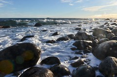 #waveiscoming #rockybeach #hove #spornes (larscko) Tags: rockybeach spornes hove waveiscoming
