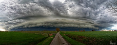 Wolk - Arcus - Shelf Cloud in Houtem bij Veurne (bartseyshoutem) Tags: fullframe pentaxk1 shelfcloud bart seys houtem arcus shelf cloud cloudspotter roll clouds pentax k1 15 30 panorama sky belgium wolk wolken de moeren veurne oostmolenstraat photo foto