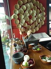 Canastos (jaimitillo) Tags: decoracion restaurante mexicano cdmx tradiciones