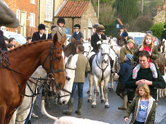 IMG_8683 Boxing day hunt meet in Kirkbymoorside 2018 (petelovespurple) Tags: boxingday hunt 2018 horses boxingdayhuntmeetinkirkbymoorside women wellies england ryedale trousers yorkshire uniforms unitedkingdomuk people plp petee candid riders d90 girls gentlemen happy jodhpurs kirkbymoorside ladies lasses men nikon northyorkshire boots boys black