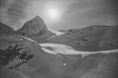 Rifugi dals Chamuotschs (schoeband) Tags: rollei35 film 35mm bw ilforddelta100 engadin grischun grisons graubünden svizra suisse svizzera schweiz switzerland rifugidalschamuotschs mountains vadretpers winter snow