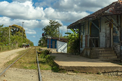 Carmita Train station (lezumbalaberenjena) Tags: carmita camajuani camajuaní villas villa clara cuba lezumbalaberenjena 2019 rail railroad tracks linea ferrocarril