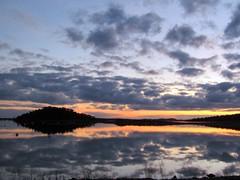 sundown on lake alqueva (lualba) Tags: alqueva lake see sky himmel clouds wolken alentejo monsaraz portugal