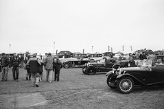Ricoh 500RF - Agfa APX 100 (19) (meniscuslens) Tags: vintage car cars kop hill climb princes risborough aylesbury high wycombe buckinghamshire film camera ricoh 500rf agfa apx bnw bw mono monochrome
