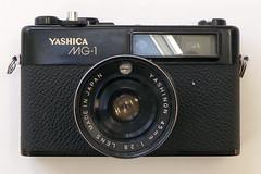 Yashica MG-1 (pho-Tony) Tags: photosofcameras yashicamg1 yashica mg1 rangefinder 35mm 45mm yashinon f28 yashinon45mmf28 japan japanese automatic analog analogue cds