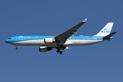 A330-3.PH-AKB-4 (Airliners) Tags: klm royaldutchairlines klmroyaldutchairlines 330 a330 a3303 a330303 airbus airbus330 airbusa330 airbusa330300 airbusa330303 iad phakb 31919