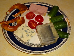Todays breakfast / Frühstück # 01 (Mc Steff) Tags: bread canned meat cucumber tomato roquefort jelly herring hering sülze tomate gurke dosenfleisch pretzel brezel cheese käse blauschimmel